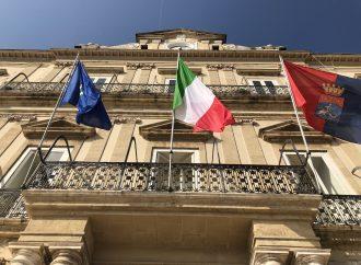 Taranto, già 13 firme per lo scioglimento del Consiglio comunale