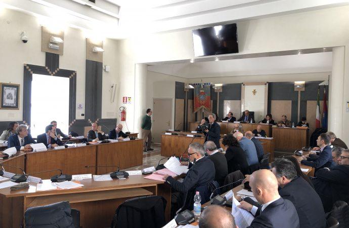 Muraglione e mercato delle pulci, ne discute il Consiglio comunale di Taranto