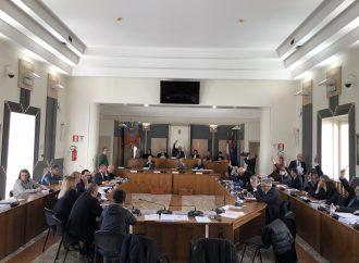 Taranto, Consiglio monotematico sull'ambiente: 11 firmano la richiesta