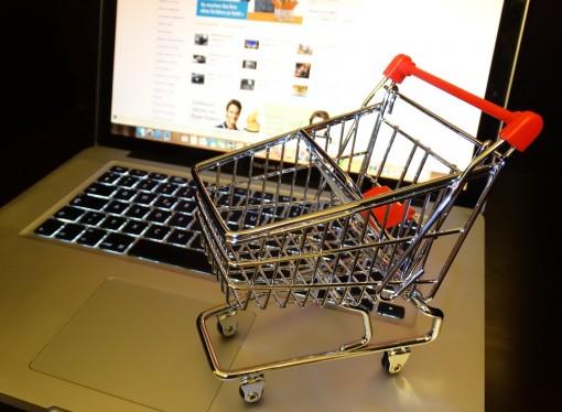 Commercio in crisi, 160 negozi diventano anche online
