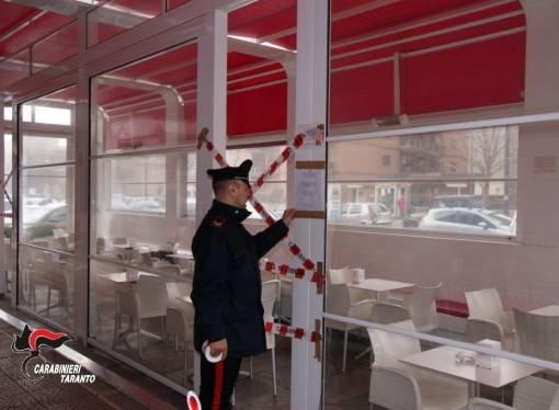 Taranto, sigilli a dehors abusivo. Indagati 3 dirigenti del Comune
