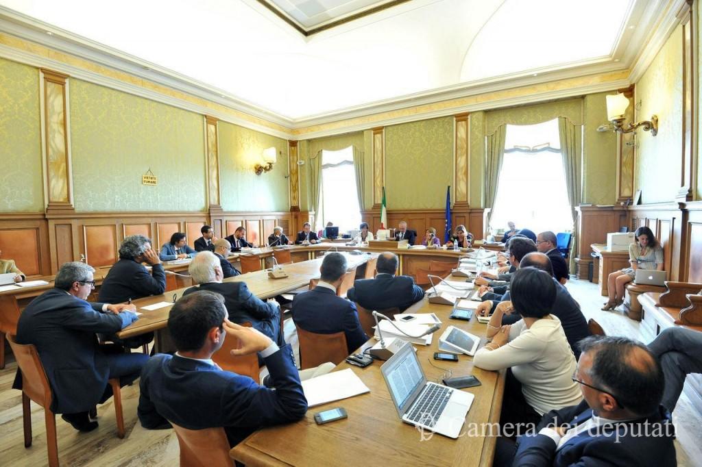 I commissari ilva in audizione in parlamento segui la for Diretta parlamento