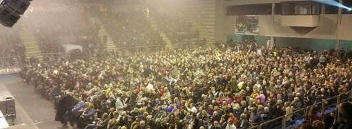 Genitori tarantini: striscione al concerto di Ranieri