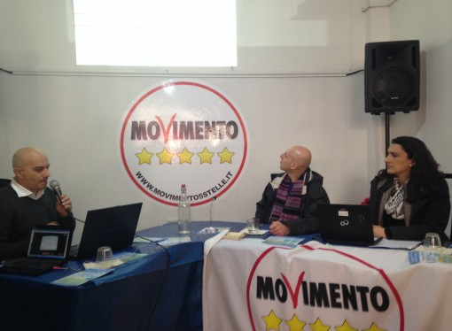 Ilva, sfida CinqueStelle ad Emiliano: 'Vieni a Taranto a parlare di Ilva'
