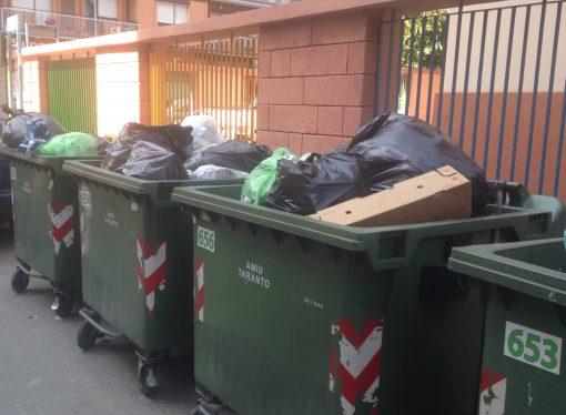 Taranto, multati per aver conferito i rifiuti fuori orario