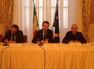 Immigrazione, polemica sull'hotspot di Taranto: 900 euro al mese ai volontari