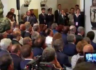 Renzi e le due Taranto con l'ago nel braccio