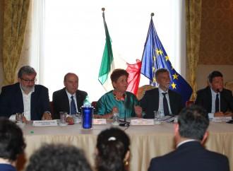 """La visita del premier, in Prefettura la """"rifirma"""" del Contratto per Taranto"""