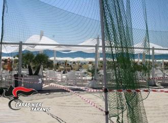 Il campo da beach volley è abusivo, scatta il sequestro dei carabinieri