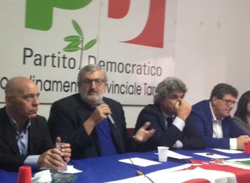 """Emiliano: """"Mi sono rotto i c……."""". Lo sfogo del governatore all'assemblea provinciale del Pd ionico"""