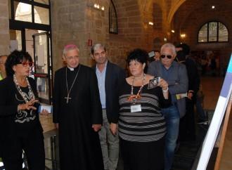 Taranto, l'arcivescovo polemizza con Bob Dylan alla Rassegna del Volontariato