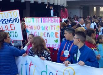 Taranto in marcia per i diritti dei bambini