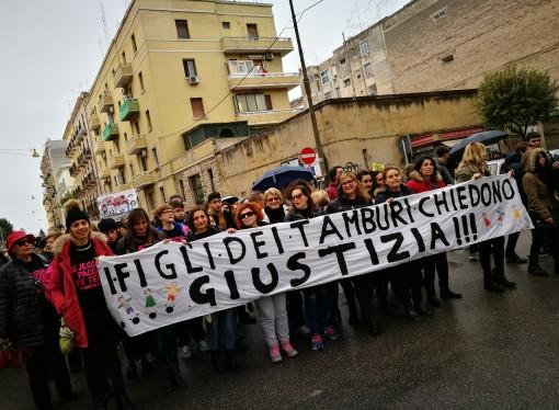 Taranto, una piazza festosa e combattiva per un futuro tutto da costruire