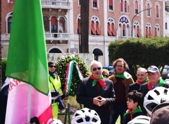 25 aprile: No all'indifferenza e alla rassegnazione, così rendiamo onore alla Resistenza