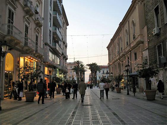 Taranto, settore moda in grave crisi. Male anche i saldi invernali
