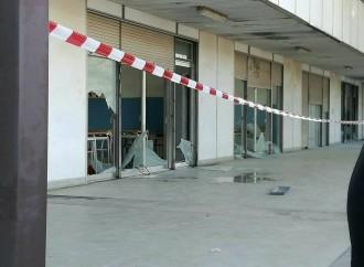 Taranto, devastata la scuola Pirandello. Un fallimento per tutta la città
