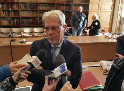 Taranto, il ministro De Vincenti fa la… doppietta