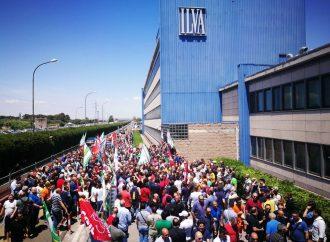 Taranto, il coronavirus ferma gli impianti del siderurgico