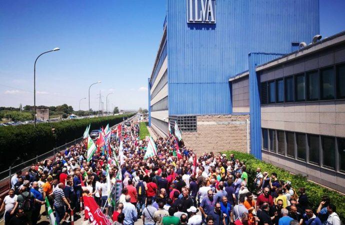 Ilva Taranto: licenziamenti e bad company, paura tra gli operai