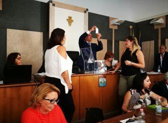 Taranto, Consiglio comunale: Lonoce presidente