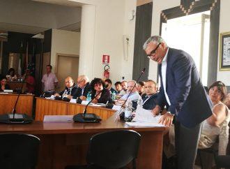 Taranto, Consiglio comunale col… bilancino. Ecco le pagelle