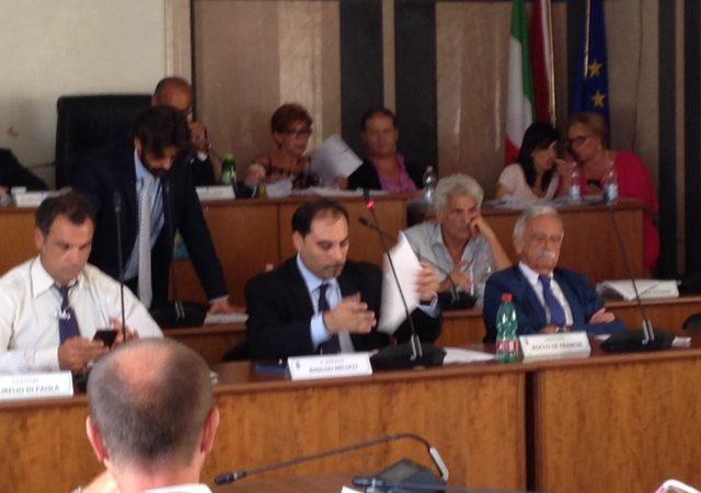 Taranto, maggioranza minima ma sufficiente: passa il bilancio 2016