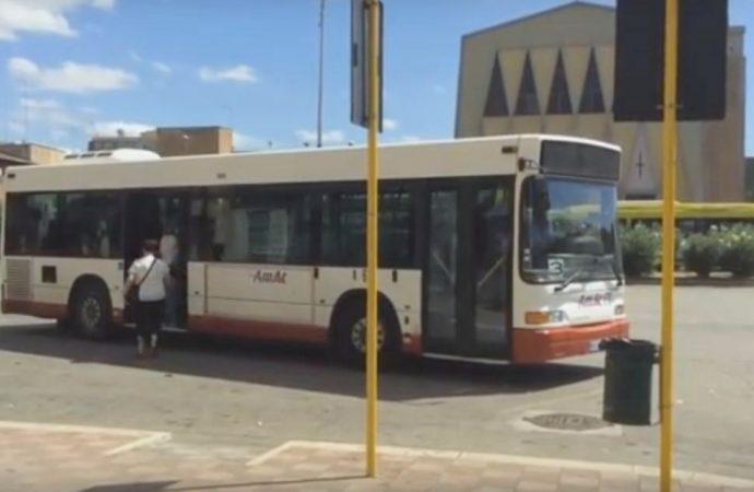 Taranto, il biglietto sul bus si pagherà con il bancomat