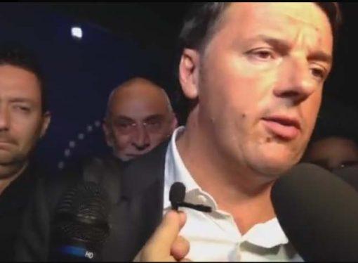 Renzi in provincia di Taranto: i fischi, gli applausi e la domanda dribblata sul jobs act per i lavoratori Ilva