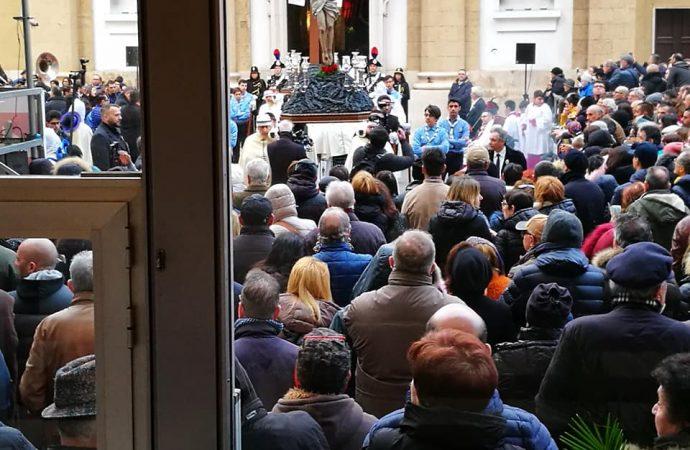 Taranto, 10mila in bus ai Riti