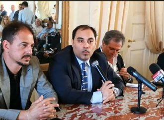 """""""Perché non siamo andati a Roma…"""", la diretta dal Comune di Taranto"""
