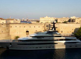 Proprio come in un film, Taranto oggi si è svegliata così