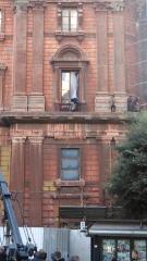 Taranto, inseguimento sul cornicione di Palazzo degli Uffici