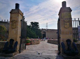 Taranto, stop alle visite al Castello Aragonese