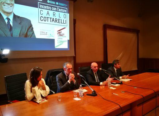 Cottarelli: il reddito di cittadinanza non produrrà crescita