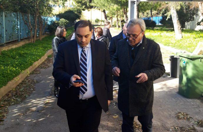 Rischio inquinamento, il sindaco di Taranto chiude la scuola Deledda-De Carolis