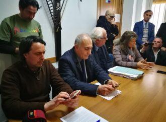 """""""Emissioni in aumento a Taranto, va chiusa l'area a caldo del siderurgico"""""""