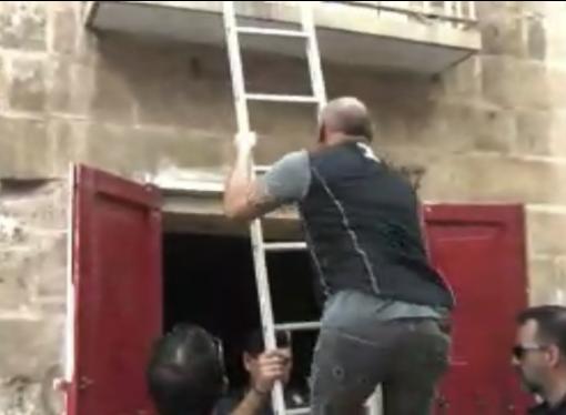 Falchi, Mobile e Polizia Locale: blitz in Città Vecchia