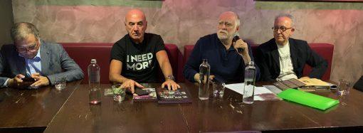 Da Brecht ai Doors, a Taranto lezione di rock con Riccardo Bertoncelli