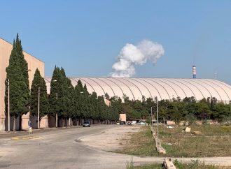 Taranto, massiccia fuoriuscita di fumi dall'altoforno 4