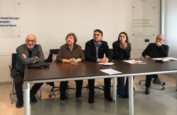 Taranto, l'appello dei giovani medici: Senza salute non c'è futuro