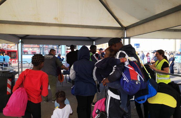 Nome comune di persona, migranti: LORO di Taranto