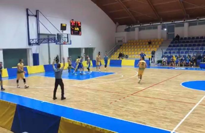 Basket, week end nero per le tarantine
