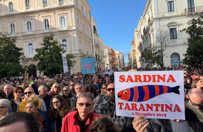 Sardine, il bagno di folla a Taranto non c'è. Ma non sorprende