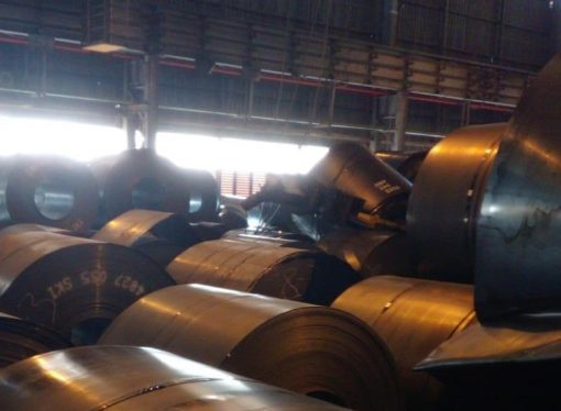 Taranto, si rompono le funi cade rotolo di acciaio. Nuovo incidente in ArcelorMittal