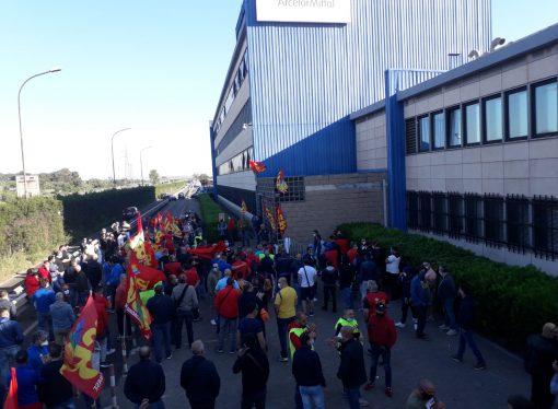 Arcelor Mittal, tra scioperi e sit-in Taranto protesta ancora