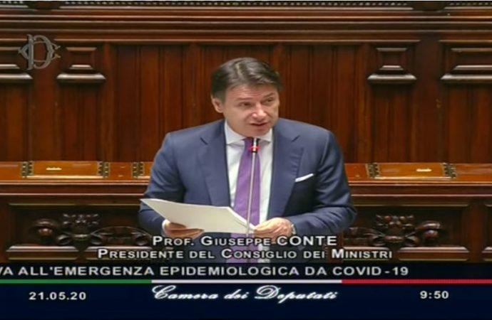 Conte: Italiani, non è ancora tempo di movida. Pronti a nuove chiusure se sarà necessario
