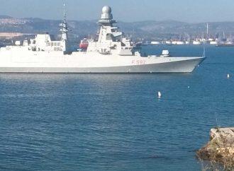 Focolaio su nave Margottini, sbarcati in Sicilia 60 positivi. La fregata ora è a Taranto