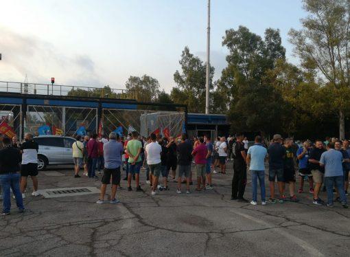 Arcelor Mittal, presidio e sciopero: il prefetto di Taranto convoca i sindacati