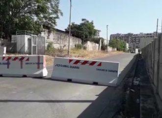 Taranto, via della Croce chiusa al traffico per abbandono di rifiuti