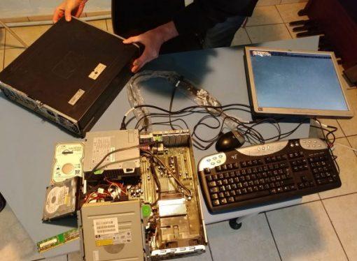 Taranto, vecchi computer di nuovo utilizzabili per chi ha bisogno